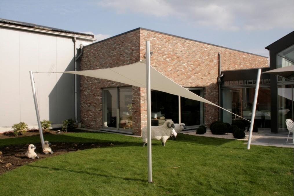 voile d 39 ombrage triangle 5 5 5 premium umbrosa. Black Bedroom Furniture Sets. Home Design Ideas